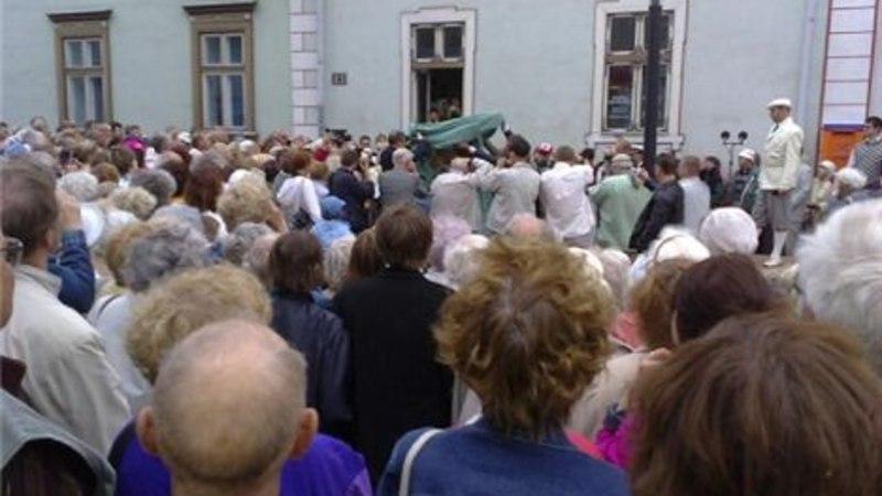 Täna avati Pärnus Jannseni kuju