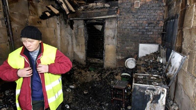 Põlengus kodu kaotanud pereema: tuletõrjujad jõudsid kohale, kui midagi enam kustutada polnud!