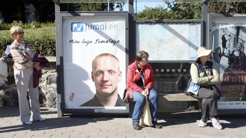 Ajupesu? Bussipaviljonid reklaamivad jumalat