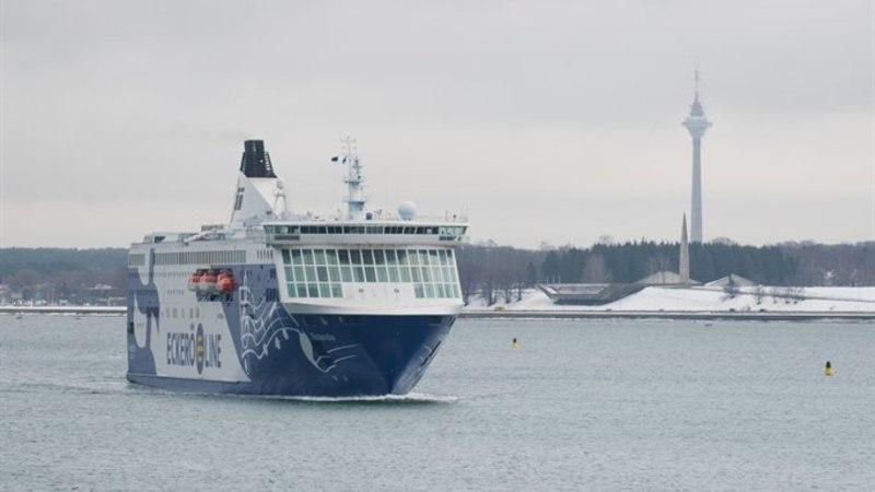 RAMP EI AVANENUD: reisijad jäid Eckerö Line'i laeva autotekile lõksu