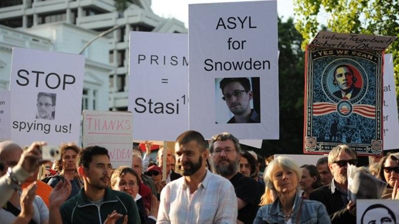 Edward Snowden: soovin jääda ajutiselt Venemaale