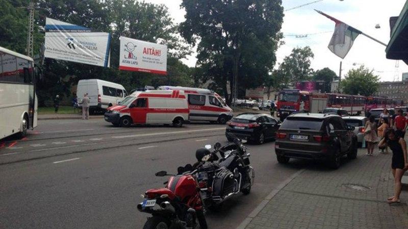 FOTOD: bussi ja marsruuttakso kokkupõrkes sai vigastada kuus inimest