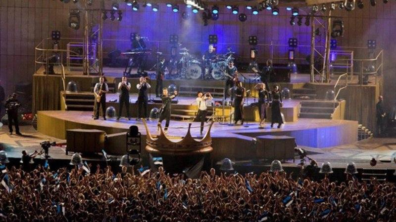 GALERII: Robbie Williams Tallinna lauluväljakul