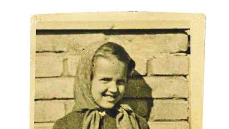 Tänaste kuulsuste esimesed koolipäevad: Kati Tootsil oli käsi kipsis, Karl Madis saadeti lasteaeda tagasi...