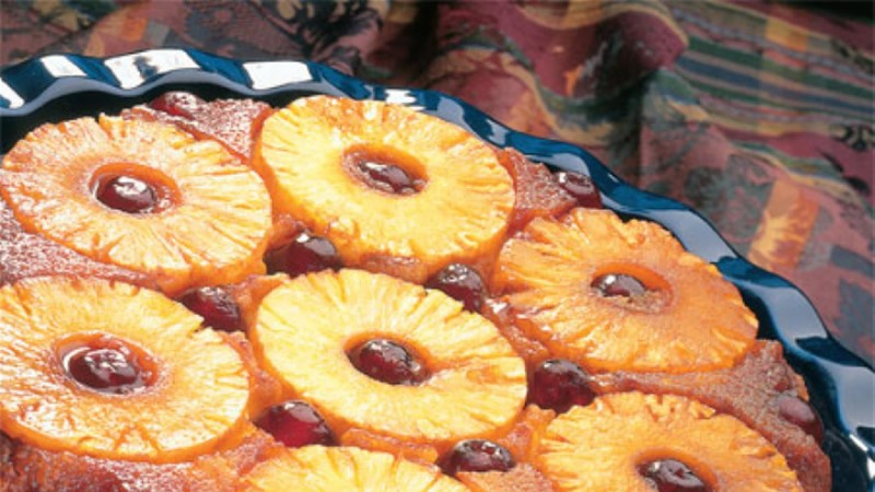 Ananassi ja kirsi tagurpidipirukas