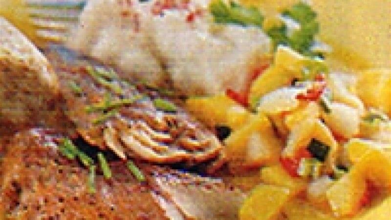 Suitsutatud makrell troopilise salsaga