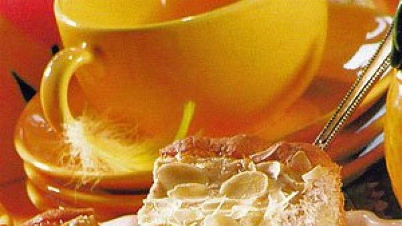 Mandlikattega ananassi-kohupiimakook