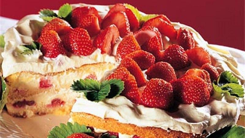 Kihiline maasika-biskviittort