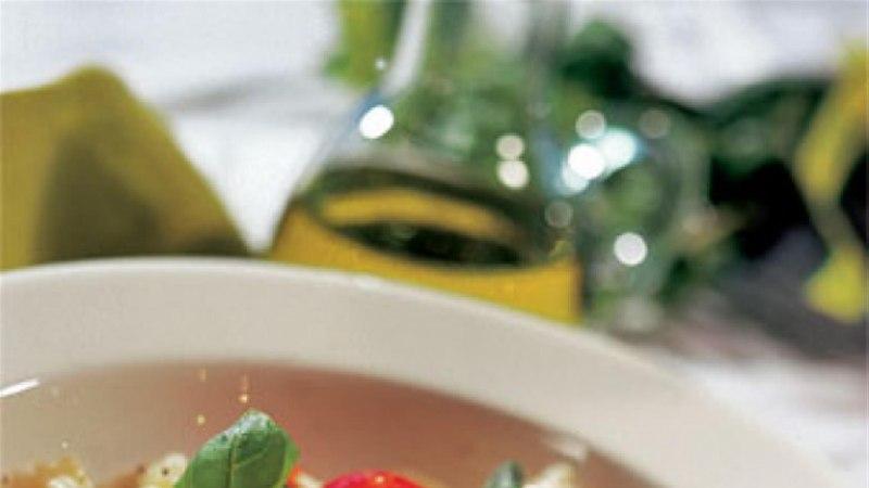 Farfalle kapparite ja tomatiga