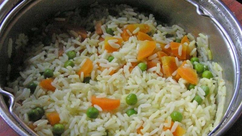 Sõmer riis köögiviljadega
