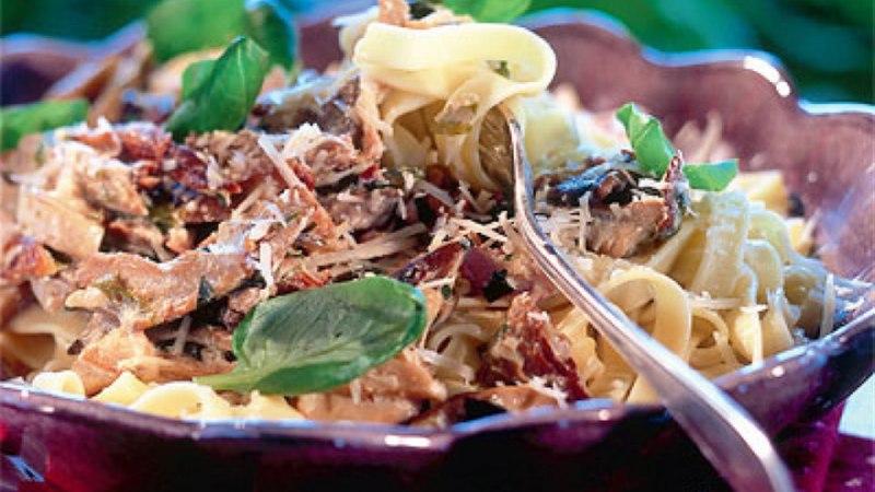 Tagliatelle itaaliapärases seenekastmes