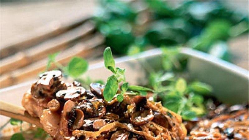 Ahjukarbonaad seente ja sibulaga