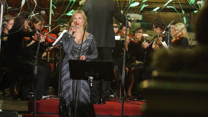 GALERII: Uku Suviste, Rosanna Lints, Nele-Liis Vaiksoo ja paljud teised artistid laulsid vähihaigete toetuseks