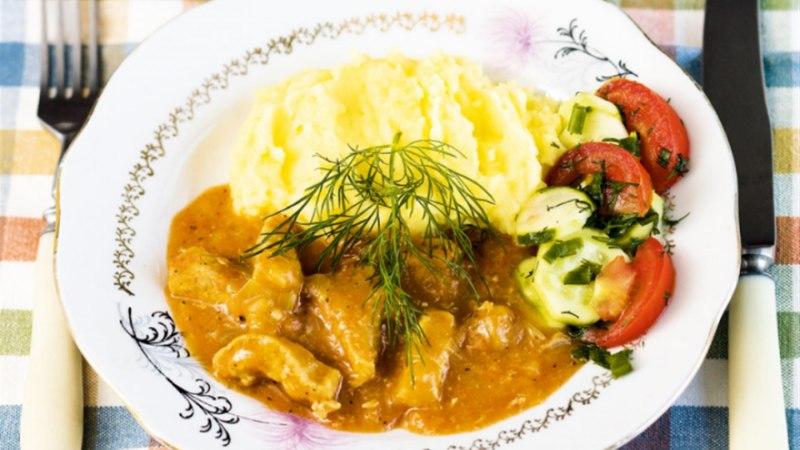 Guljašš kartulipüreega