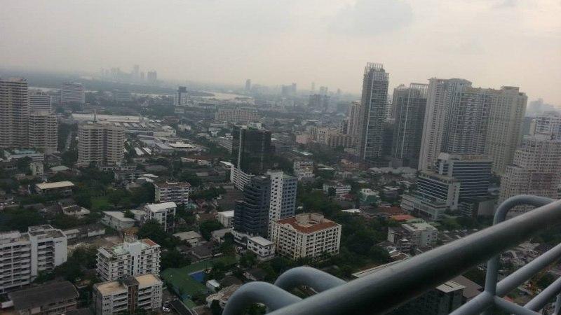 Pokkerielu Aasias: mänguks läheb esmaspäeval, seni noolin rohutirtse