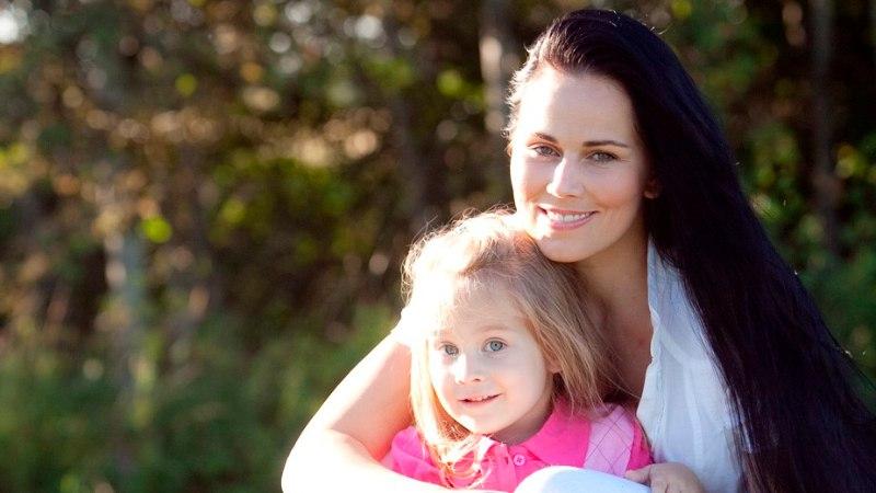 """Kati Tootsi tütar Karolina sai rolli """"Kättemaksukontoris"""""""