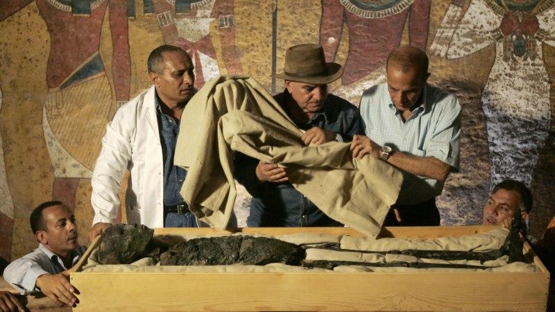 Leegitsedes teise ilma: Tutanhamon lahvatas oma sarkofaagis põlema