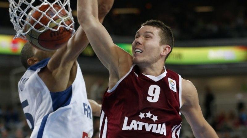 EM: Läti kaotas Prantsusmaale, kuid võib siiski veerandfinaali pääseda