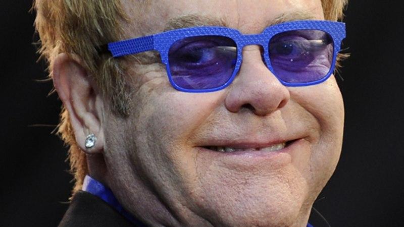 Elton korraldab Robbie tütrele peo