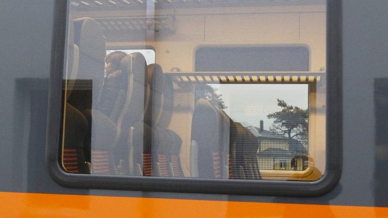 Jamad jätkuvad: Elroni Tartu-Koidula liini plaanitud väljumine hilines 40 minutit