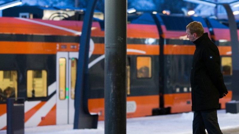 Elroni rongi õhupallidega tervitama tulnud kohtla-nõmmelased jäid pika ninaga