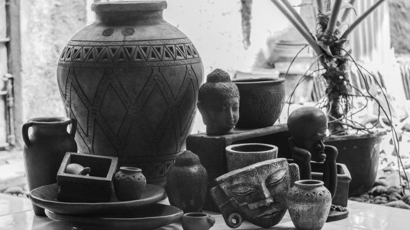 Indoneesia blogi: keraamika surnuaed