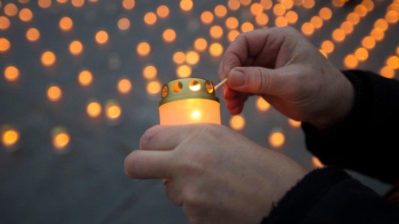 GALERII: Vabaduse väljakul süttisid tuhanded küünlad