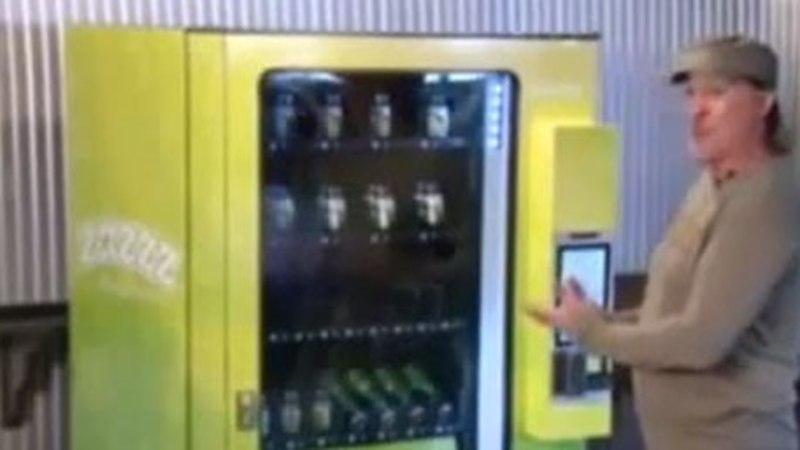 VIDEO: Ja ongi olemas! Colorados esitleti maailma esimest kanepimüügi automaati