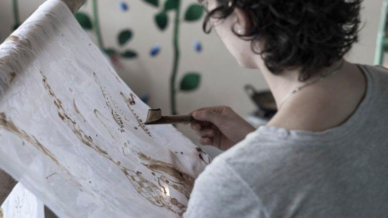 Indoneesia blogi: meest sooviv naine peab oskama joonistada vahamustreid