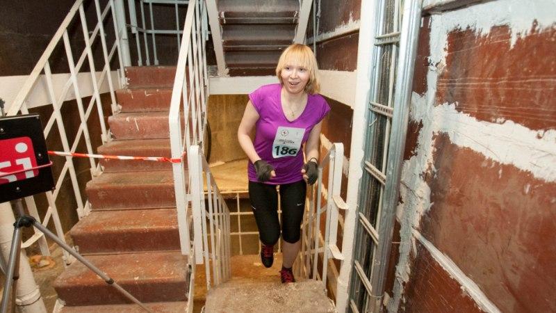Jalgsi teletorni tippu: 1050 trepiastet on tugitoolisportlasele paras katsumus