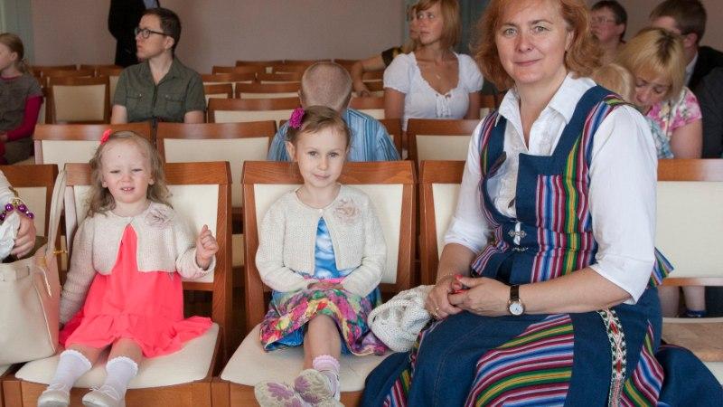 GALERII: Kütt ja Teder tunnustasid laste heaolusse panustajaid