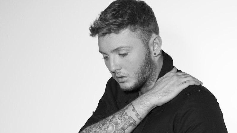 """Briti """"X Factori"""" võitja, hõbekõri James Arthur, esineb Eestis!"""