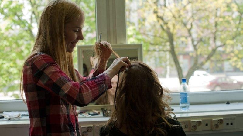 Mis juhtus juukseid ökojuuksevärviga värvides?