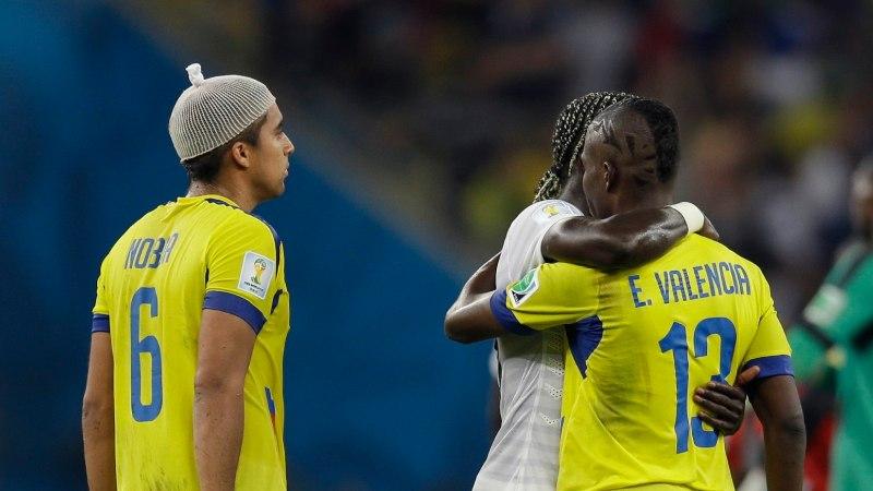 GALERII: vähemuses Ekuador hoidis prantslased nulli peal