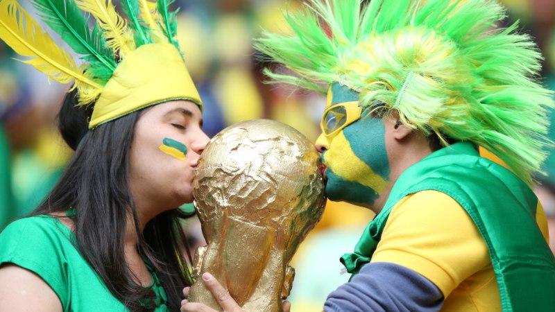 Brasiilia ja Kolumbia pääsesid veerandfinaali