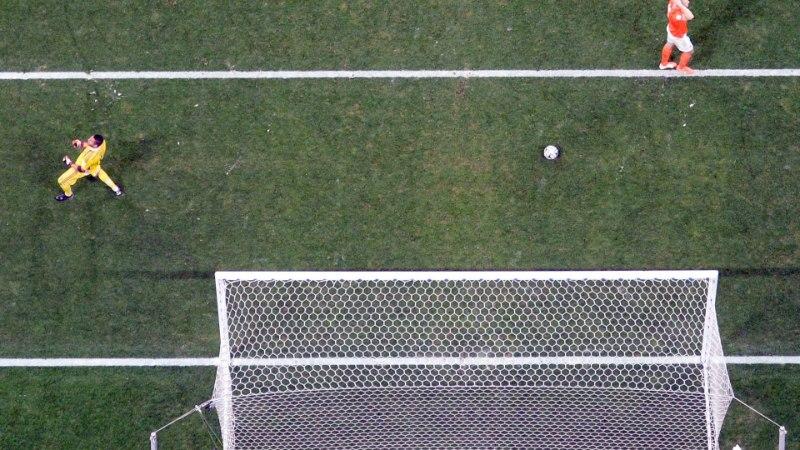 USKUMATU: Vlaari untsu läinud penalti oli sentimeetrite kaugusel saamaks MMide ajaloo imelisimaks tabamuseks