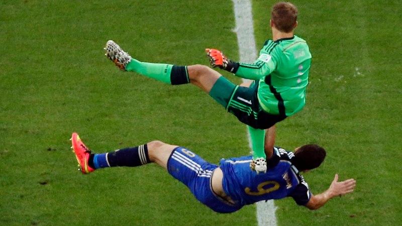FOTOD: Manuel Neueri ja Gonzalo Higuaini õõvastav kokkupõrge