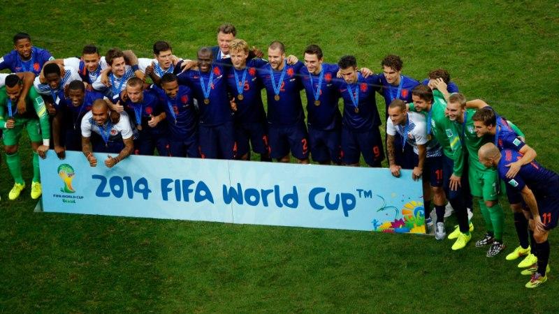 Holland sai pronksimängus kindla võidu