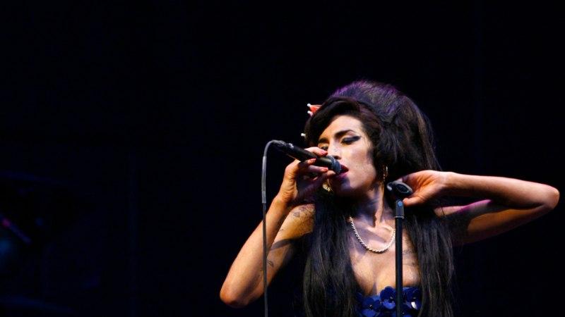 Amy Winehouse'i surmast möödub kolm aastat