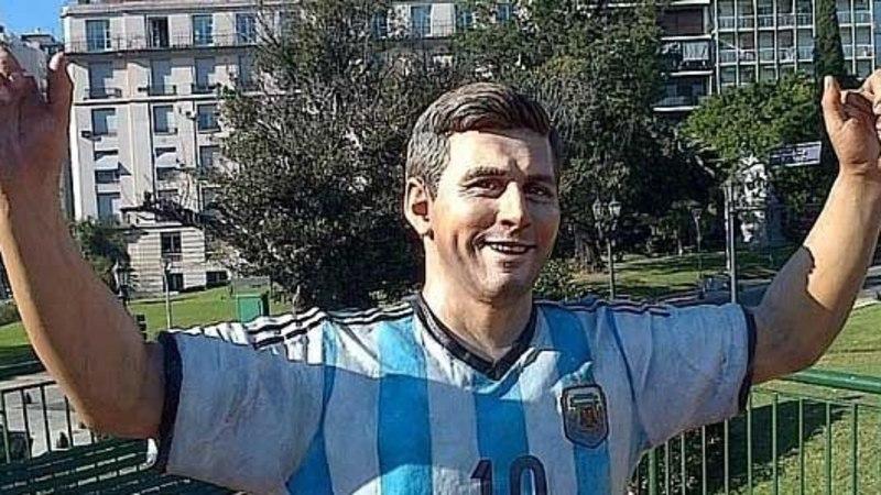FOTOUUDIS: Messi skulptuuril lõigati sõrmed maha