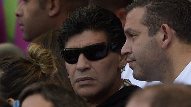 Argentiina kollane meedia marus: kuni MMi lõpuni ei tohi Maradona eraelust kirjutada!