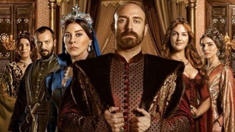 """Täna """"Sajandi armastuses"""": sultan Suleimani parim sõber Ibrahim loobub kõigist ametitest ja põgeneb"""