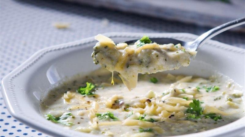 Brokoli-juustusupp