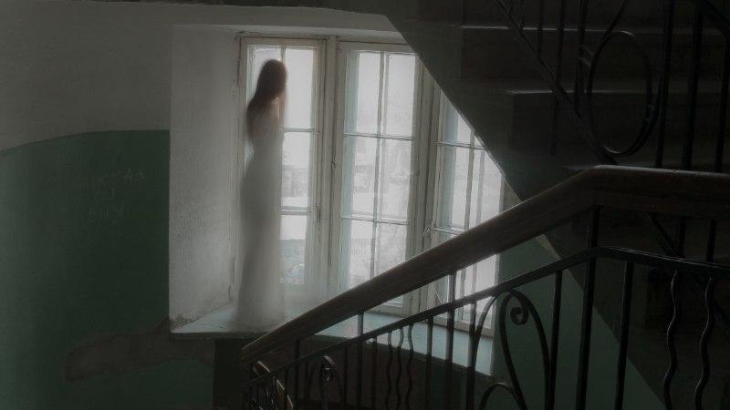 """""""Kummitustel on oma ajaarvamine. 600 aastat pole neile  mingi aeg."""""""