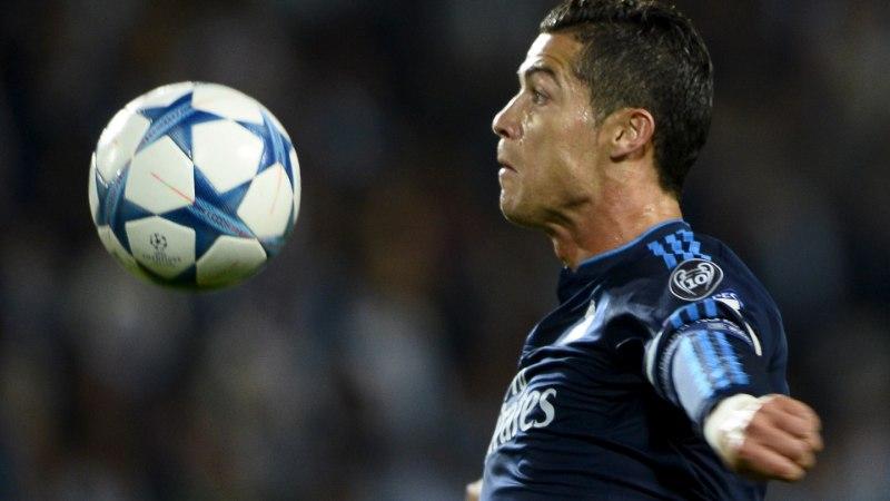 Ronaldo purustas taas rekordeid, Manchesteri klubid said läbi häda hakkama