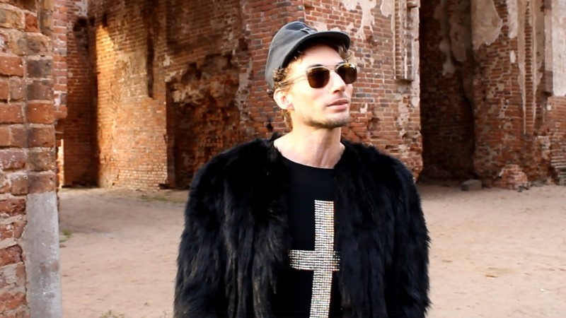 ÕHTULEHE VIDEO | Strippar Marco: Eestis on ainult kolm staari!