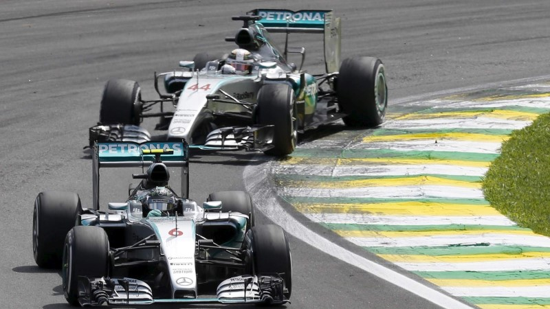 Rosberg alistas Hamiltoni