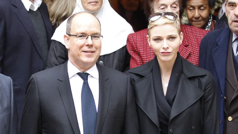 FOTOD | Monaco vürstinnal uus šikk soeng