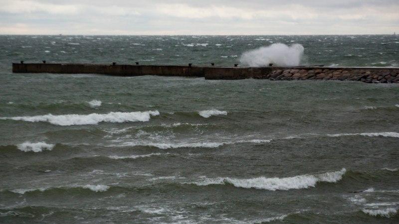 Tugev tuul takistab jätkuvalt parvlaevaliiklust