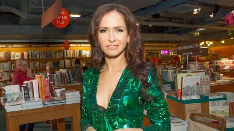 """GALERII   Nõid Nastja oma raamatu esitlusel: """"Usun, et iga naine on oma hinges nõid."""""""
